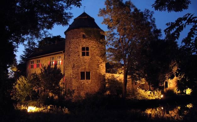 Wasserburg Haus zum Haus (beleuchtet)